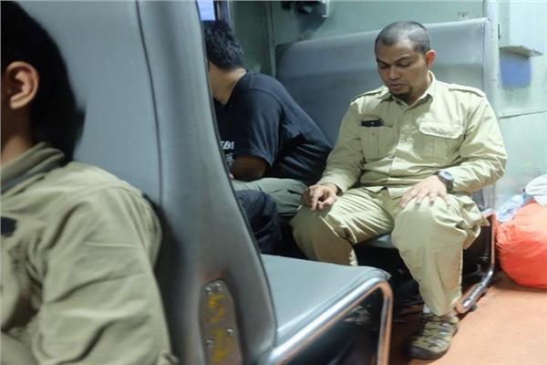 الإفتاء توضح حكم الصلاة في القطار المتحرك
