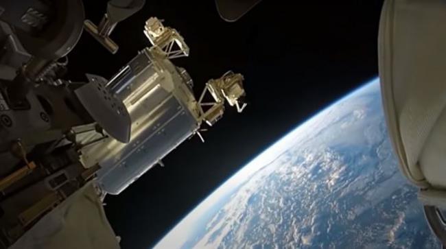 """الصين: رواد «شنتشو-13» ينجحون فى دخول سفينة الفضاء """"تيانتشو-3"""" لنقل الشحنات"""
