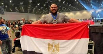 مينا عبيد «العملاق المصرى» يفوز بلقب أقوى رجل فى العالم