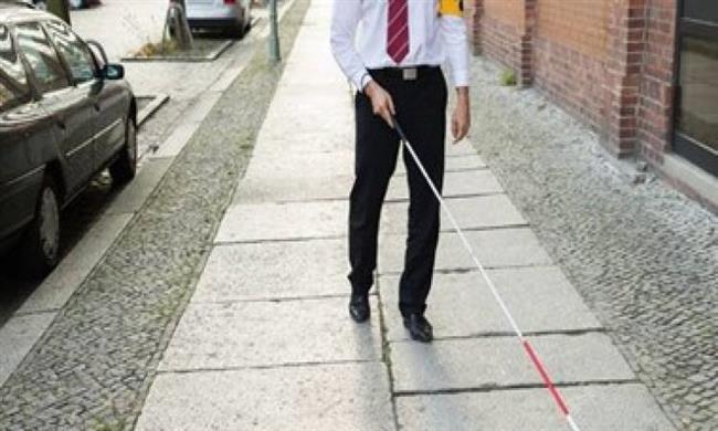 عصا ذكية تساعد المكفوفين على التنقل بسهولة وبسرعة