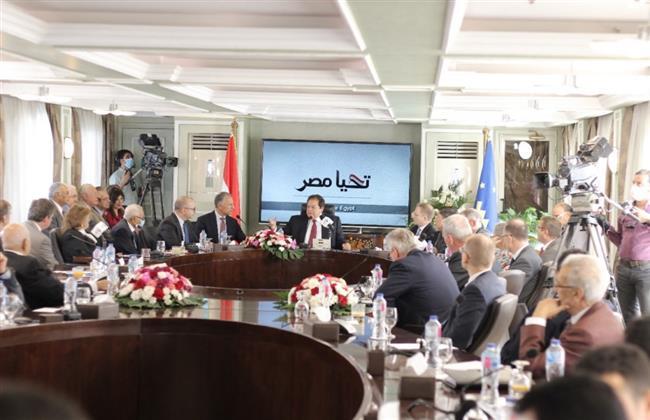 بينهم أمريكا وبريطانيا وروسيا..أبو العينين يلتقي 32 سفيرًا لبحث التعاون مع مصر
