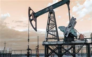 زيادة السحب من المخزون الاحتياطي تعزز احتمالات بقاء النفط عند 85 دولارا