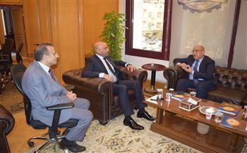 سفير الفلبين يزور غرفة القاهرة لبحث زيادة التبادل التجاري والاستثماري