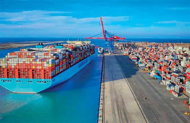 تداول 3021 حاوية مكافئة و 225 ألف طن بضائع بميناء الإسكندرية
