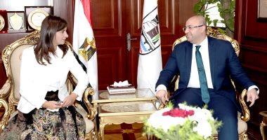 محافظ بني سويف يستقبل وزيرة الهجرة في مستهل زيارتها للمحافظة