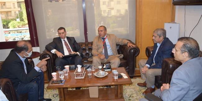 تعاون بين السفارة المصرية والغرف التجارية لزيادة الصادرات إلى موريتانيا