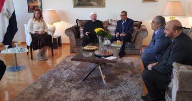 مفتي الجمهورية للجالية المصرية في البوسنة: يجوز نقل الزكاة إلى مصر من الخارج