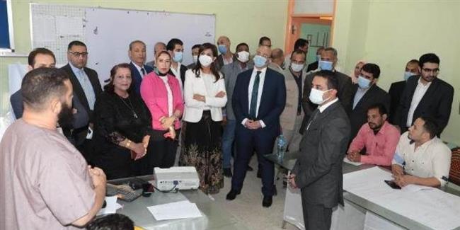 وزيرة الهجرة تعقد لقاء جماهيريا للتوعية بمخاطر الهجرة غير النظامية ببني سويف