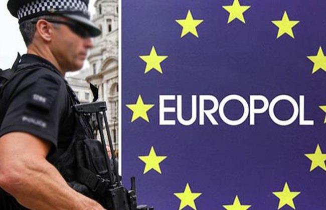 """""""اليوروبول"""" توقف 150 مطلوبا نشطوا عبر الإنترنت المظلم"""