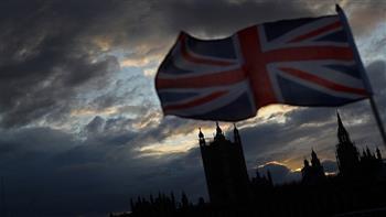 بريطانيا تعتزم إلغاء قائمة السفر الحمراء والحجر الصحي في الفنادق