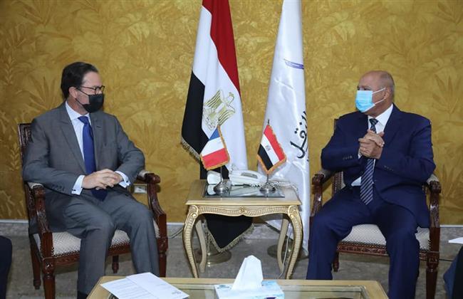 وزير النقل يلتقي السفير الياباني بالقاهرة