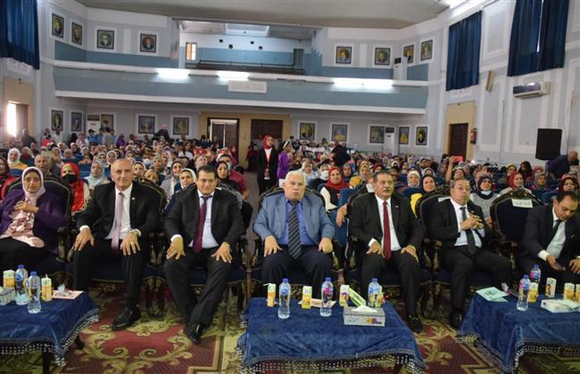 تعليم الإسكندرية تفتتح معرض مستلزمات مدرسية للطلاب غير القادرين