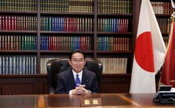رئيس وزراء اليابان يجرى محادثات هاتفية مع بوتين