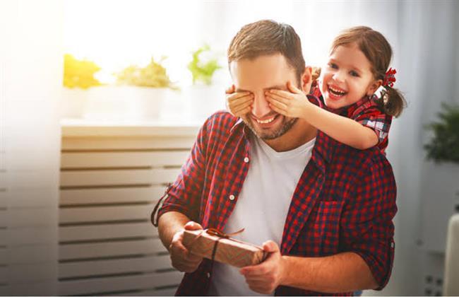 الحياة الأسرية هى مشاركة بين الأب والأم