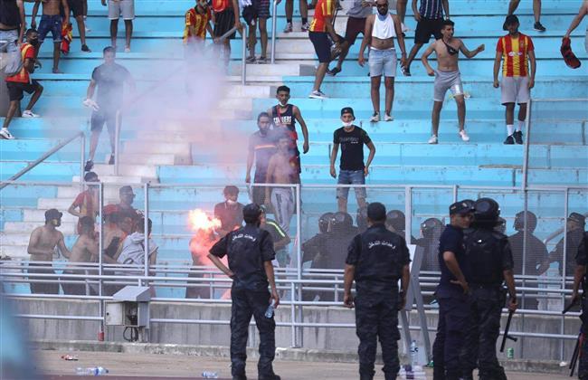 شغب الجماهير يؤجل مباراة الأهلي والترجى