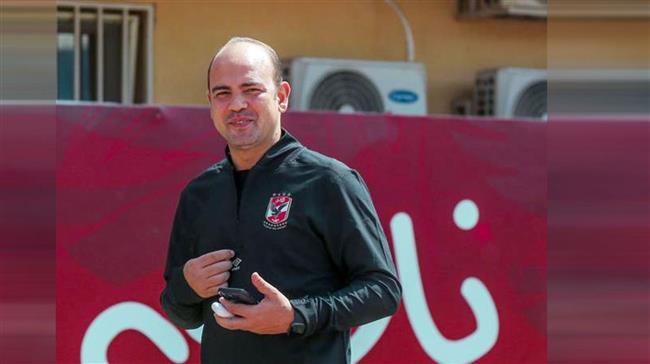أبو عبلة ومسؤول الكاف يرفضون نزول لاعبي الأهلي لاستكمال عمليات الإحماء