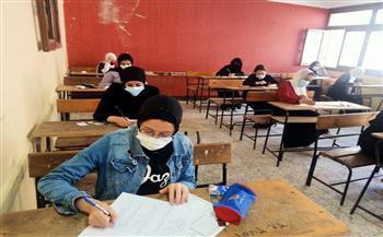 نرصد آراء طلاب الدبلومات الفنية بالقليوبية في ثاني أيام الامتحانات
