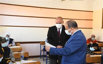 محافظ قنا يتابع انتظام سير امتحانات الدبلومات الفنية