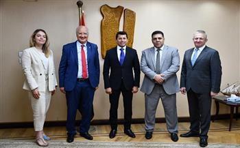صور || وزير الرياضة يبحث ترتيبات استضافة مصر لبطولة إفريقيا للسامبو