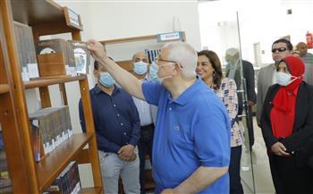 عدلى منصور و محافظ دمياط يتفقدان المدينة الصديقة للنساء بعزبة البرج