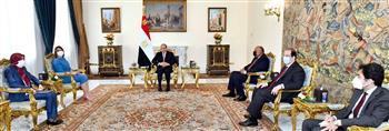 السيسي يشدد على دعم مصر الكامل للمجلس الرئاسي والحكومة الليبية