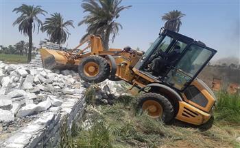إزالة 4 حالات بناء مخالف وصيانة 120 كشاف إنارة ببني سويف