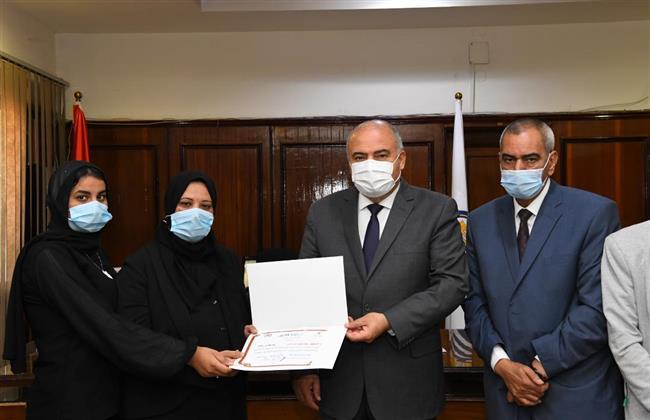 الداودي يكرم أسرة الراحل خالد محمد علي لدوره في دعم ذوي الاحتياجات الخاصة  بقنا