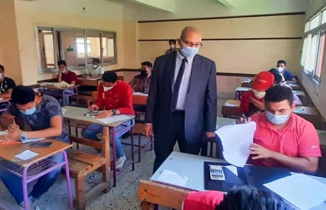 وكيل وزارة التعليم ببورسعيد يتفقد لجان امتحانات الدبلومات الفنية