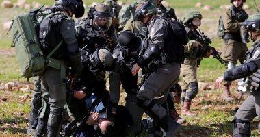 الاحتلال الإسرائيلي يعتقل 28 فلسطينيا من الضفة الغربية