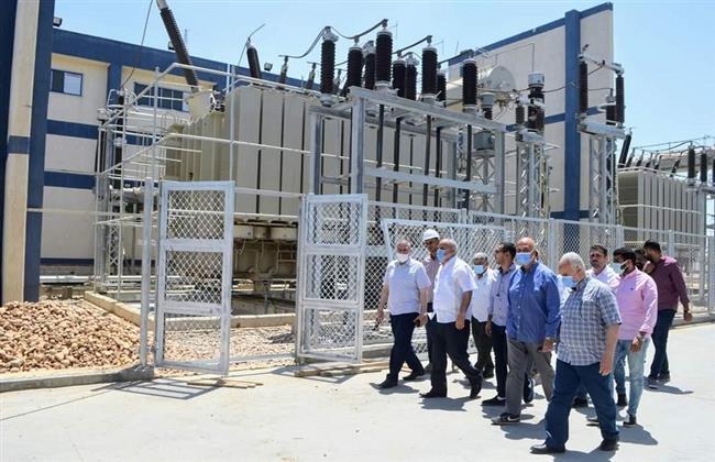 مسئولو «الإسكان» يتفقدون محطات محولات كهرباء العاشر