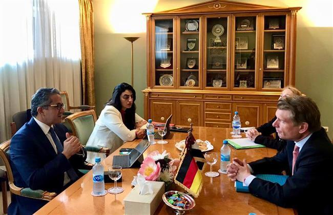 وزير السياحة والآثار يلتقي وزير الدولة بوزارة الاقتصاد والطاقة ومفوض الحكومة الفيدرالية للسياحة بألمانيا