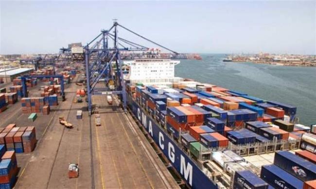 تداول 318 ألف طن بضائع استراتيجية بميناء الإسكندرية