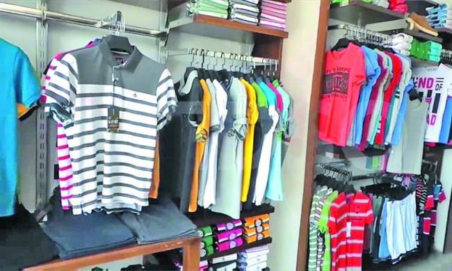 غرفة صناعة الملابس: تحسن ملحوظ فى حركة البيع بالسوق المحلية