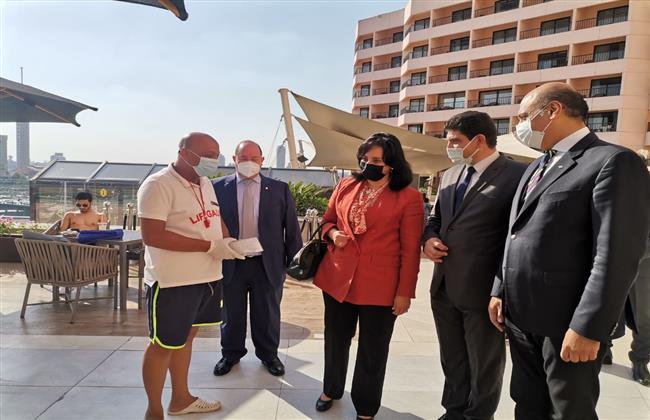 نائب وزير السياحة والآثار لشئون السياحة تتفقد عدد من الفنادق