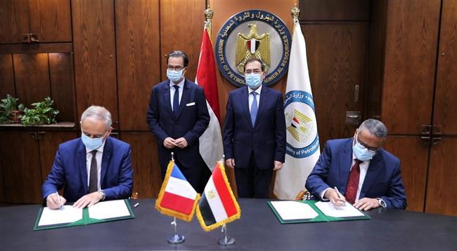 توقيع عقد الأعمال الهندسية لرخص تصنيع مشروع مجمع البحر الأحمر مع «أكسنس الفرنسية»