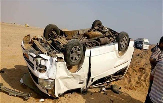 بالأسماء|| مصرع وإصابة 33 في حادث انقلاب بصحراوي المنيا