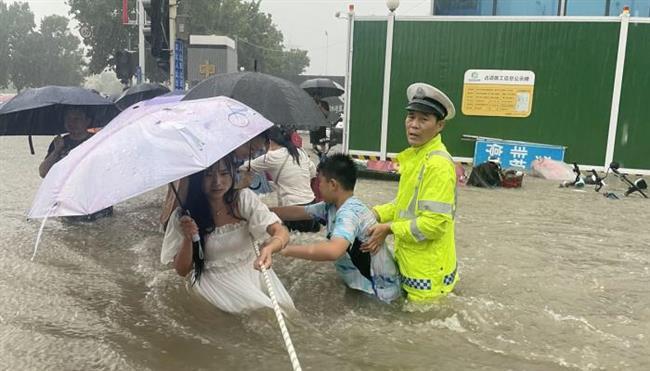 ارتفاع عدد ضحايا فيضانات الصين إلى 33 قتيلا