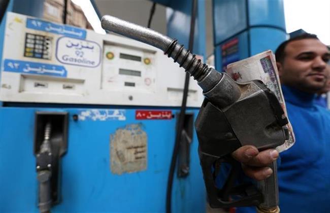 «البترول»: رفع سعر البنزين 25 قرشا وتثبيت سعر السولار