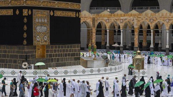 حجاج بيت الله الحرام ينهون أداء مناسك الحج لهذا العام