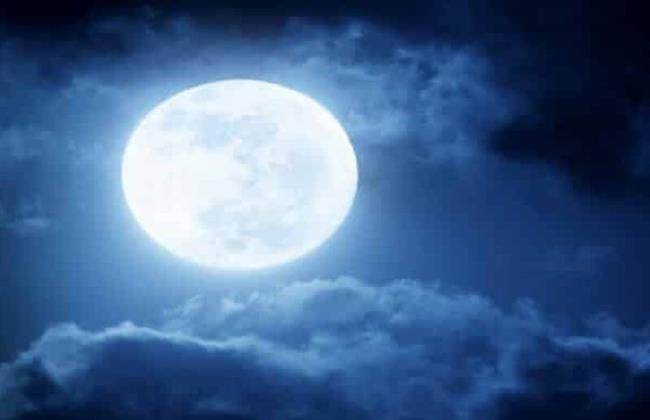 بدءا من اليوم.. ٣ ظواهر طبيعية تحدث للقمر