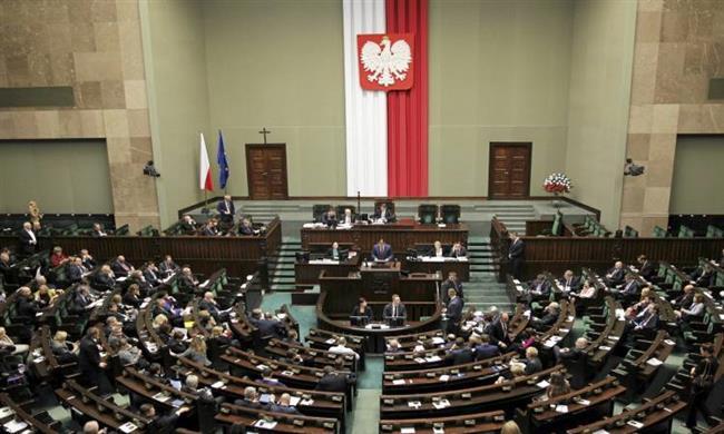 مجلس الشيوخ البولندى يقر قانونا يغضب إسرائيل