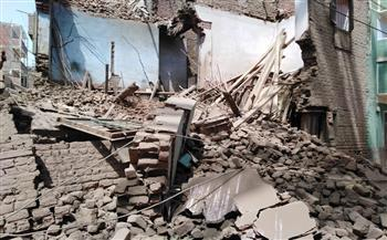 انهيار منزل مبني بالطوب اللبن بقنا