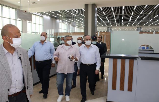 وزير الطيران المدني في زيارة تفقدية لمطار العلمين الدولى