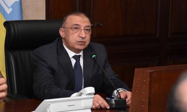 محافظ الإسكندرية: الإخلاء الفورى لعقار بحرى المائل حفاظاً على أرواح المواطنين