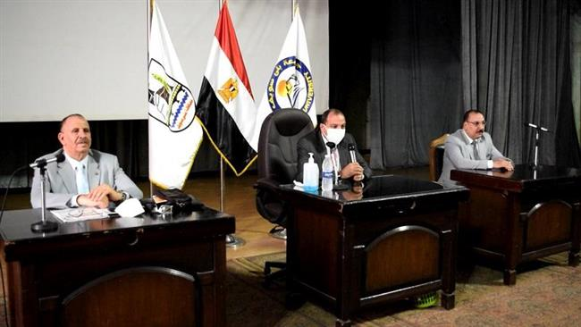 رئيس جامعة بنى سويف يفتتح الدورة التدريبية الثانية للقيادات الجامعية