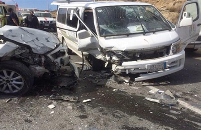 إصابة 5 مواطنين بقنا فى حادث تصادم