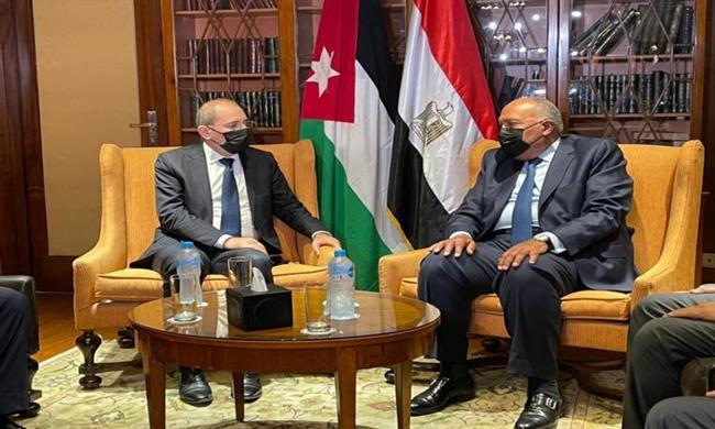 شكرى يلتقى نظيره الأردنى بالقاهرة