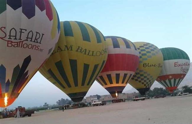 البالون الطائر يزين مجددًا سماء الأقصر