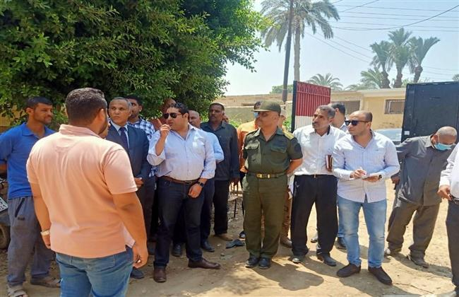 نائب محافظ بني سويف يتفقد سير أعمال مشروعات «حياة كريمة» بقري ناصر