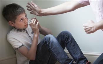 والدي يضربني فهل يجوز صده بدون اعتداء عليه؟